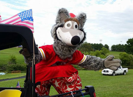 KC Wolf visits 2016 American Celebration in Richmond